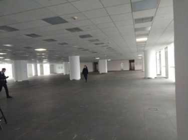 东大街 睿东中心 272.5平米