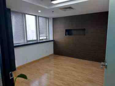 新街口 华威大厦 88平米 中等装修